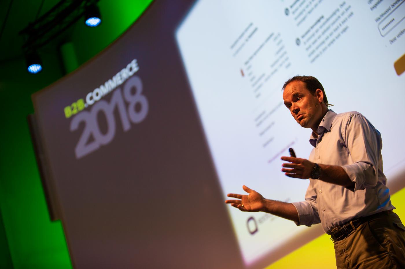 Coen van Delft spreekt tijdens B2B.Commerce